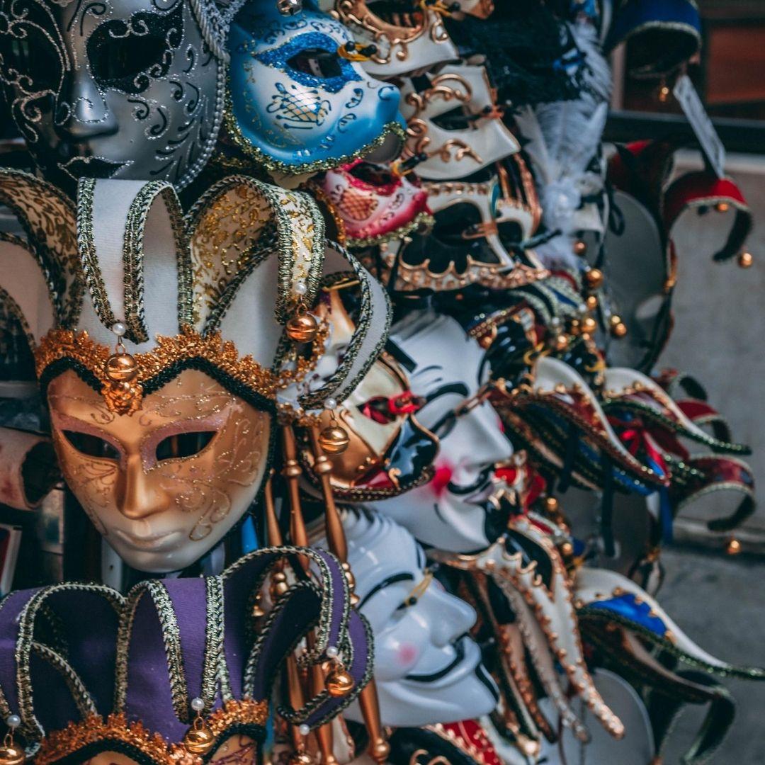 Le stockage de décors et de costumes